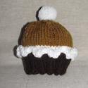 Muffin sapka barna-mustársárga, Ruha, divat, cipő, Kendő, sál, sapka, kesztyű, Sapka, Kötés, Kézikötésű, egyedi babasapka muffin-mintával, pomponnal 1-2 hónapos babának fotózáshoz vagy ajándék..., Meska