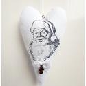 Mikulás - Fehér vintage dekorációs karácsonyi szív függő, Dekoráció, Baba-mama-gyerek, Dísz, Gyerekszoba, HOME - Dekorációk - KÉSZLETEN -  Mikulás - karácsonyi textil szív dekoráció. Romantikus dísz lakásba..., Meska