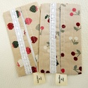 Cseresznye és szamóca mintás papírzsebkendő tartó csomag, Táska, Baba-mama-gyerek, Pénztárca, tok, tárca, Zsebkendőtartó, Anne - Tarsolyok  Cseresznye és szamóca mintás pamutvászonból  készítettem a papírzsebkendő tartók k..., Meska