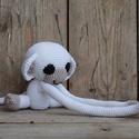 Maki (fehér) - függöny fogó amigurumi, Gyerek & játék, Gyerekszoba, Mobildísz, függődísz, Saját tervezés alapján készült Függönyfogó maki. Ezt a bájos kis majom, kedves és vidám dísze a gyer..., Meska