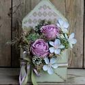 'Szívből jövő üzenet' - asztaldísz , Otthon, lakberendezés, Szerelmeseknek, Asztaldísz, Virágkötés, Mindenmás,  Különleges boríték formajú dobozba alkottam meg ezt a kedves, romantikus csokrot. A dobozt festett..., Meska