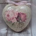 Szív alakú repesztett hatású antikolt dísz különböző mintákkal, Dekoráció, Anyák napja, Dísz,  Szív alakú polisztirol dísz különböző mintákkal díszítve és finom vonalas repesztéssel,..., Meska