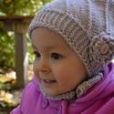 Tisztagyapjú kötött sapka-sál együttes kicsi lánynak, Ruha, divat, cipő, Gyerekruha, Kisgyerek (1-4 év), Kendő, sál, sapka, kesztyű, Kötés, Már van, mint látjuk gyönyörű  gazdája, de szívesen megismétlem!  A nagy gomb átvarásával, a gazdáj..., Meska