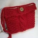 Piros, kötött kis táska, tarisznya, szütyő, készség, Táska, Divat & Szépség, Táska, Tarisznya, Válltáska, oldaltáska, Neszesszer, A jókedv és a Valentin nap nevében!  Gyönyörű, piros, jó tartású, gyapjú fonalból kötöttem ezt a kis..., Meska