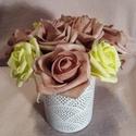 Rózsadoboz, Dekoráció, Esküvő, Otthon, lakberendezés, Szerelmeseknek, Polifoam rózsák fémtartóban. Átmérő 8 cm. Termék magassága 15 cm. Rózsák átmérője 5 cm..., Meska