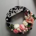 Tavaszi kopogtató, Dekoráció, Otthon, lakberendezés, Ajtódísz, kopogtató, Koszorú, Ajtódísz rattan alapon, selyem virágokkal díszítve. Átmérő 25 cm. Az akasztó állítható hosszúságú...., Meska
