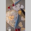 Szív füzér , Dekoráció, Esküvő, Otthon, lakberendezés, Dísz, Papírművészet, Festett tárgyak, 3 nagy és 2 kicsi szívből álló felakasztható dekoráció Valentin-napra, Esküvőre, Házassági évfordul..., Meska