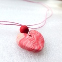 Örvénylő szív nyaklánc, Ékszer, Nyaklánc, Ékszerkészítés, Gyurma, A kavargó gondolatok inspirálták ezt a süthető gyurmából formázott nyakláncot.  A kézzel  formázott..., Meska