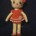 Kamilla, a horgolt kiscica, Játék, Játékfigura, 32 cm magas , öltöztethető horgolt kislány cica. Minden alkatrésze varrott, biztonságos játék kicsik..., Meska