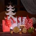 Ajándékdobozka apró kézműves kozmetikummal, Dekoráció, Karácsonyi, adventi apróságok, Szépségápolás, Ünnepi dekoráció, Kozmetikum, Szappan, tisztálkodószer, Apró kedves ajándék,mely kiváló kézműves kozmetikumot rejt magában. A csomagba választható: -1 db ké..., Meska