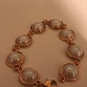 rose gold karkötő , Ékszer, Karkötő, rose gold karkötő. fehér kerámia cabochonnal. hossza: 20cm cabochon: 12 mm., Meska