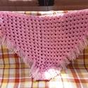 Rózsaszín vállkendő, Ruha, divat, cipő, Kendő, sál, sapka, kesztyű, Kendő, Horgolással készítettem a képen látható rózsaszín vállkendő. Mérete kb.: 120 x 70 cm., Meska