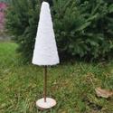 Fehér havas fenyő, Karácsony & Mikulás, Karácsonyi dekoráció, Mindenmás, Hungarocell alapon, műhóval bevont fenyő dísz, amely szalaggal díszessé tehető. Mérete 34,5 cm, Meska