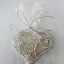 """Esküvőre köszönetajándék,\""""Vadvirágos 2\""""mézeskalács szív, Dekoráció, Esküvő, Ünnepi dekoráció,  8-8,5 cm széles, """"fehéren fehér"""" mézeskalács szív """"vadvirágos"""" mintával.  Két keresztnévvel,dátumma..., Meska"""