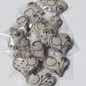 """Levendula színű,\""""Virágos\""""mézeskalácsszív  csomag,esküvőre,szóróajándékként,ültetőnek stb., Dekoráció, Esküvő, Dísz, Ünnepi dekoráció,  Tartalma:  15db!!! kis méretű (4-4,5cm x4cm)mézeskalács szív.Fehér mázzal levendula lila színű """"vir..., Meska"""