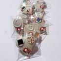"""""""Piros, pöttyös,virágos"""" szív,esküvőre,szóróajándékként,bármilyen alkalomra, Dekoráció, Esküvő, Dísz, Ünnepi dekoráció, Tartalma:  10 db!!! kis méretű (4-4,5 cm x 4,5 cm)hosszúkás mézeskalács szív.   Fehér mázas alappal,..., Meska"""