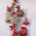 """A """"Pink Mikulás"""" helyett """"Piros Mikulás"""" megérkezett ,karácsonyi dísz, Tartalma: 10db mézeskalács. 6 kisebb figura,4-5 ..."""