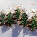 """""""Bolondos""""karácsonyfa,hintázó díszekkel,Honey bread,gingerbread, Dekoráció, Karácsonyi, adventi apróságok, Karácsonyi dekoráció, Kép, Mézeskalácssütés, 5 DARAB!11x9cm méretű zöld  alappal,fehér írókával,arany cukorgyönggyel díszített karácsonyfa   Nag..., Meska"""