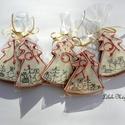 """""""Ajándékok a fa alatt"""" Honey bread,gingerbread, Dekoráció, Karácsonyi, adventi apróságok, Karácsonyi dekoráció, Kép, Mézeskalácssütés, 5 DARAB!11x9cm méretű ,fehér cukormáz alappal,piros írókával,,arany cukorgyönggyel díszített karács..., Meska"""
