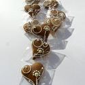 """""""Arannyal vagy ezüsttel? """"szív,esküvőre,szóróajándékként,bármilyen alkalomra, Dekoráció, Esküvő, Dísz, Ünnepi dekoráció, Mézeskalácssütés, Tartalma:  10 db!!! kis méretű (4-4,5 cm x 4,5 cm)hosszúkás mézeskalács szív. Natúr vagy fehér máza..., Meska"""