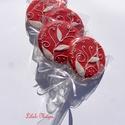 """Anyák napi köszöntés,""""leveles-virágos"""" mintával, Dekoráció, Ünnepi dekoráció, 5 db !!! """"Anyák napjára"""""""" feliratozású, 9-9,5 cm átmérőjű piros korong,fehér leveles-virágos mintáva..., Meska"""