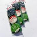 Karácsonyi ajándékcsomag,Hópehely,Mikulás,Fenyőfa, Tartalma: 3db csomag  3X 6,5 cm méretű mézeskal...