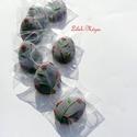 """""""Akasztós húsvéti kis tojások barkaágra""""lila alappal, Dekoráció, Húsvéti díszek, Dísz, Ünnepi dekoráció, Tartalma:  7 db!!!!! kis méretű (5cm x 4 cm) mézeskalács tojás  --2 csomaggal::Lila( levendulaszín) ..., Meska"""