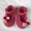 Horgolt baba cipő, Ruha, divat, cipő, Gyerekruha, Baba (0-1év), Mély rózsaszín fonalból horgoltam ezt a kis cipőt.Talp mérete 11 cm., Meska