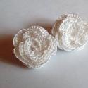 Horgolt fülbevaló, Ékszer, Esküvő, Fülbevaló, Esküvői ékszer, Esküvőre vagy különleges alkalomra készítettem ezt a hófehér fülbevalót.Selyem cérnából készült kapc..., Meska