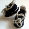 Horgolt cipő, Baba-mama-gyerek, Ruha, divat, cipő, Gyerekruha, Baba (0-1év), A kis cipő 100 % akril fonalból készült .fehér talppal,szürke fűzővel. Mérete :8cm Igény szerint más..., Meska