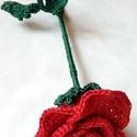 Horgolt rózsa Anyáknapjára, Dekoráció, Anyák napja, Dísz, Csokor, Pamut cérnából készült rózsa Anyák napjára. Hossza 30 cm a rózsafej 7cm.A váza is megvásárolhat külö..., Meska