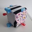 Modern babakocka, Gyerek & játék, Játék, Készségfejlesztő játék, Varrás, Motorikus készséget fejlesztő, csörgő kockajáték babáknak. Designer pamutvászonból, és minky plüssb..., Meska