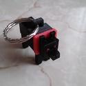 Fekete kutya kulcstartó, Mindenmás, Kulcstartó, 3D nyomtatási technikával készült egyedi tervezésű kulcstartó dísz. A termék egy éj fekete kutyát áb..., Meska