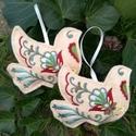 Karácsonyfadísz - 2db galamb, Gyapjúfilcre, gépi hímzéssel készített, kéz...