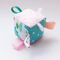 Tenger mélyén- készségfejlesztő csörgő textil játék. :), Baba-mama-gyerek, Játék, Baba játék, Készségfejlesztő játék, Varrás, Patchwork, foltvarrás, Rendelésre-nagy méretben!  Pici babák számára készült puha játékkocka, amely megannyi színnel és él..., Meska