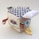 Erdő lakói- készségfejlesztő játékkocka kisbabáknak . :), Baba-mama-gyerek, Játék, Gyerekszoba, Készségfejlesztő játék, Pici babák számára készült puha játékkocka, amely megannyi színnel és élménnyel várja ki..., Meska