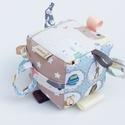 Erdő lakói- készségfejlesztő játékkocka kisbabáknak . :), Baba-mama-gyerek, Játék, Gyerekszoba, Készségfejlesztő játék, Pici babák számára készült puha játékkocka, amely megannyi színnel és élménnyel várja kis tulajdonos..., Meska