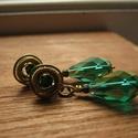 Erdei Bál, Ékszer, Fülbevaló, Sárgaréz drótból készült elegáns, bedugós fülbevaló. Az ékszerhez smaragd színű kristálygyöngyöt és ..., Meska