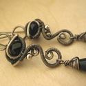 Fekete tenger, Ékszer, Fülbevaló, Ezüstözött rézdrótból és fekete üveggyöngyből készült fülbevaló. alkalmi és mindennapi használatra e..., Meska
