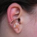 Kicsi Tolvaj, Ékszer, Fülbevaló, Steampunk fülgyűrű vörösréz drótból, fogaskerékből és fénygyöngyből.  A fülgyűrű tökéletes választás..., Meska