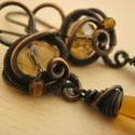 Borostyán Tenger, Ékszer, Fülbevaló, Vörösréz drótból és borostyán színű üveggyöngyökből készült fülbevaló. Az ékszert antikoltam, majd p..., Meska