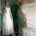 GRACE - selyemruha , Esküvő, Ruha, divat, cipő, Esküvői ruha, Menyasszonyi ruha, Elegáns vonalú, hernyóselyem krepdesin ruha.  A vonalú, részekből szabott. Halvány almazölddel kézze..., Meska