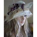 BOKRÉTÁS taft-kalap, Esküvő, Ruha, divat, cipő, Kendő, sál, sapka, kesztyű, Női ruha, ÖRÖMANYÁKNAK ajánlom: A 20-as évek stílusában tervezett kalapom sötét elefántcsont színű gyűrt taftb..., Meska