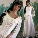 GERTRUDIS - fantázia-ruha, Ruha, divat, cipő, Esküvő, Menyasszonyi ruha, Esküvői ruha, Gótikus ihletésű kreációm tört-fehér selyemfényű elasztikus pamutszatén és gyűrt muszlinból.  A  pié..., Meska