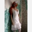 WHITE-ROSE - menyasszonyi ruha , Esküvő, Ruha, divat, cipő, Menyasszonyi ruha, Esküvői ruha, Fiatalos, extravagáns modellem alternatív menyasszonyoknak ajánlom: Részletgazdag díszítésű selyem k..., Meska
