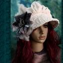 ANTOINETTE  - iparművész barett kalap, Ruha, divat, cipő, Női ruha, Kendő, sál, sapka, kesztyű, Sapka, Nagyvonalú, ráncolt-tetejű,nagy-karimás téli kalap romantikus Hölgyeknek.  Ezt a darabot puha, vasta..., Meska
