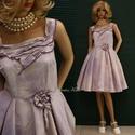 MILLY - pin-up designruha XL, Ruha, divat, cipő, Női ruha, Estélyi ruha, Ruha, Klasszikus pin-up szabású modellemet lilás árnyalatra kézzel festett habos viszkóz-shantungból készí..., Meska