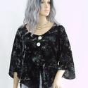 JANA - selyembársony design-blúz, Ruha, divat, cipő, Női ruha, Blúz, Felsőrész, póló, Rózsamintás, könnyű, hűvös selyembársonyból készítettem ezt az elöl két nagy gyöngyházgombbal összef..., Meska