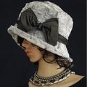 DOMBOR-RÓZSÁS szürke taft-kalap, Ruha, divat, cipő, Kendő, sál, sapka, kesztyű, Sapka, Női ruha, Az egyedi kalapok szerelmeseinek ajánlom ezt az 1920-as évek stílusában tervezett  kalapocskám.  Kül..., Meska