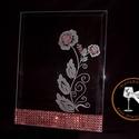 Rózsás plakett-kézi gravírozott, Dekoráció, Esküvő, Dísz, Kép, Mindenmás, Üvegművészet, Egy 23x 18 cm nagyságú üveg plakettre, gravíroztam egy szál rózsát, stilizáltan . Kevés piros üvegf..., Meska